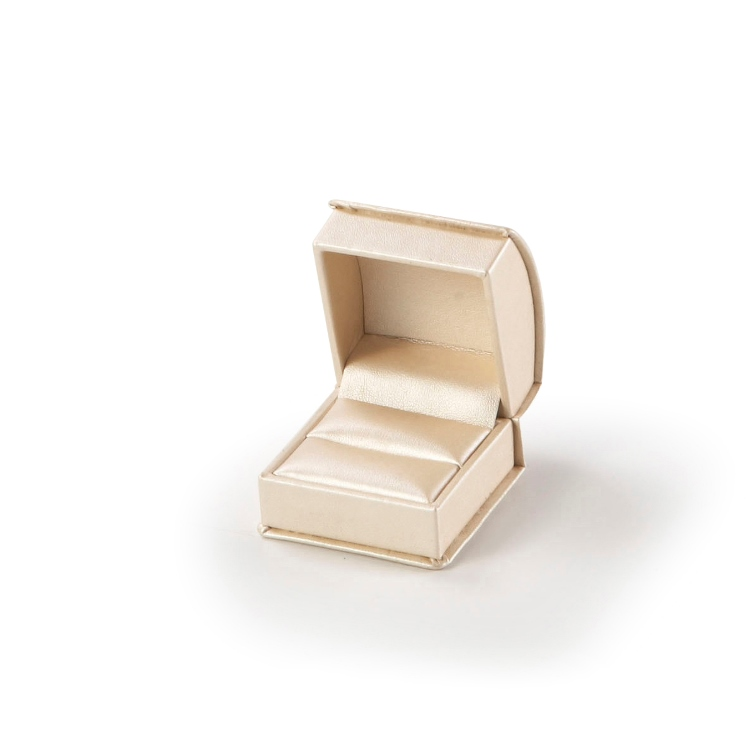 Gold Roll Top Ring Box