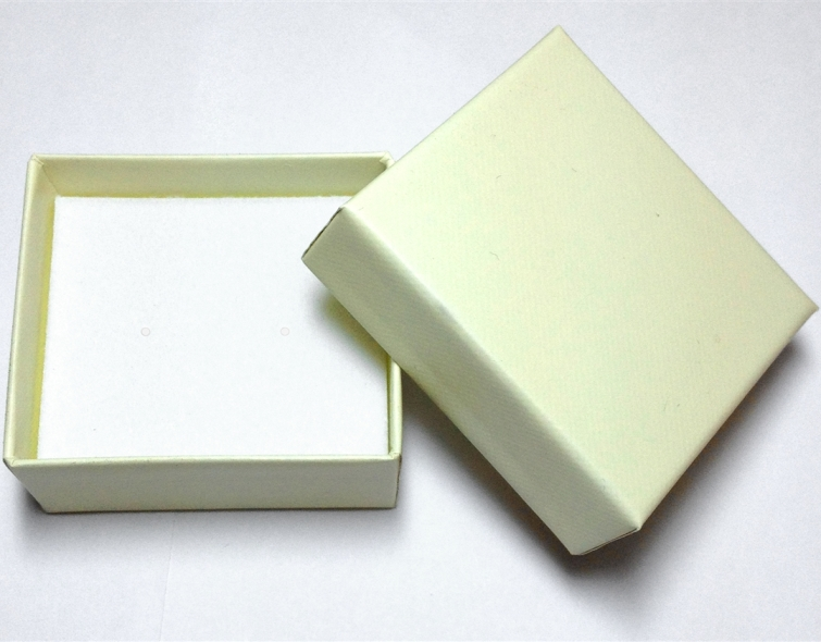 Cream Earring Box - Case of 100