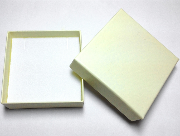 Cream Pendant/Earring Box - Case of 100