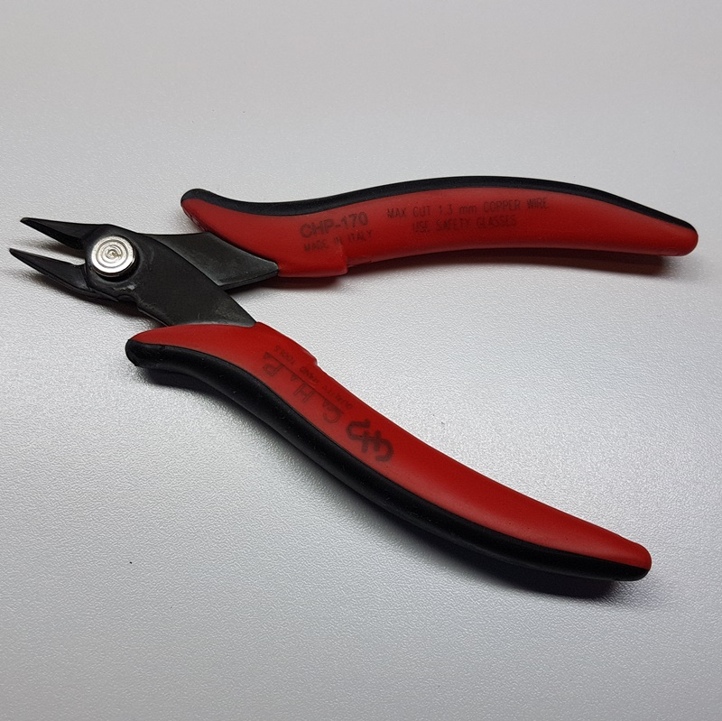 Beading Knot/Wire Cutter with Ergonomic Handle