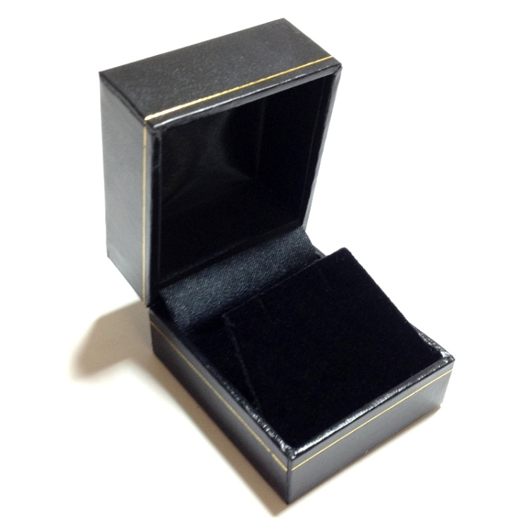 LE3 Black Cartier Style Earring Box