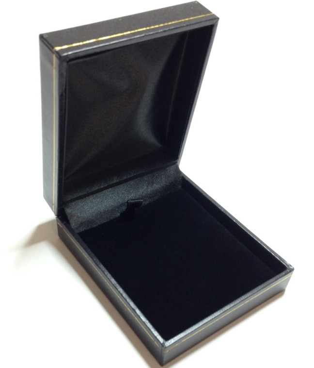 LP9 Black Cartier Style Pendant Box