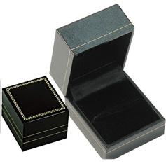 LR3 Black Cartier Style Ring Box