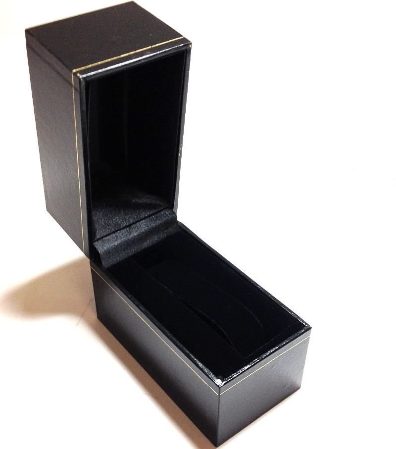LW8 Black Cartier Style Watch Box